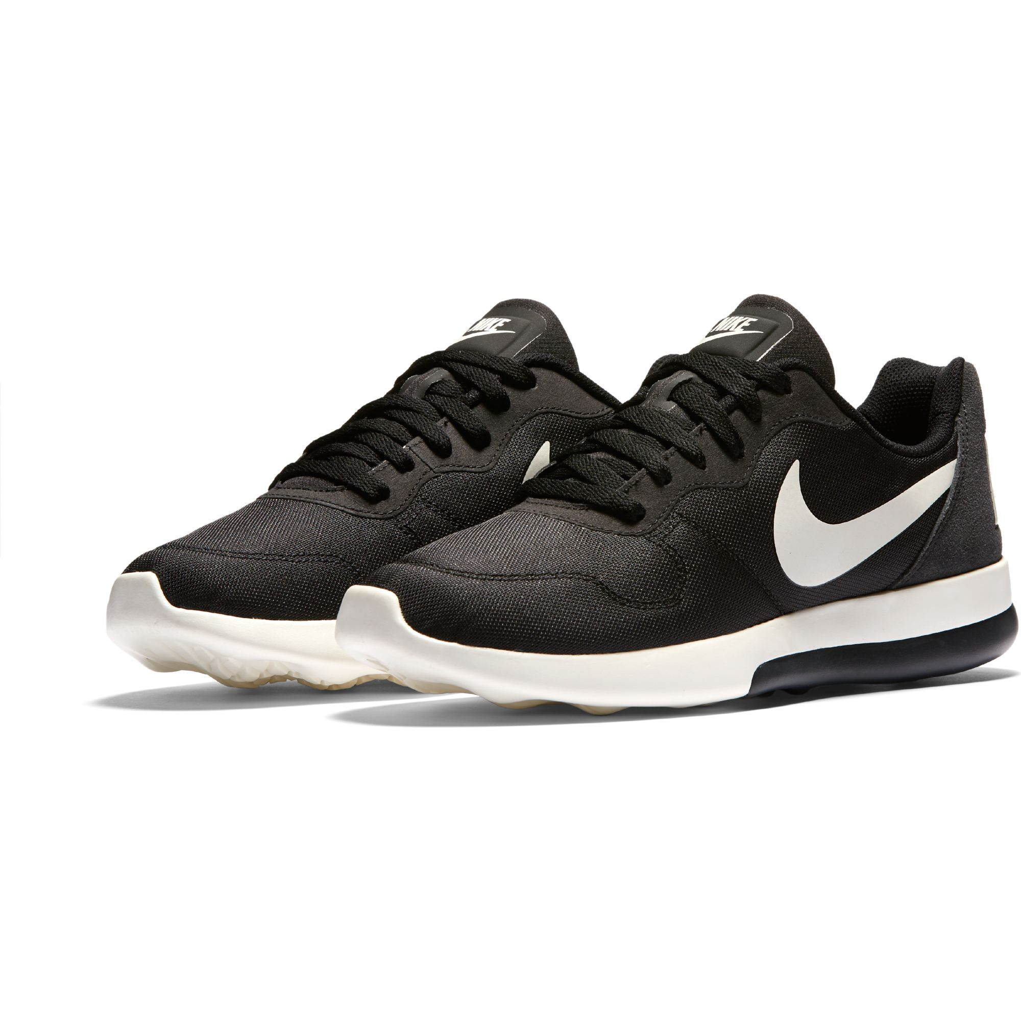 the latest 8ad95 ac7e7 Chaussure Nike MD Runner 2 LW Pour Homme   EKINSPORT