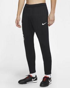 Nike F.C. Essential