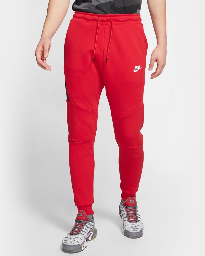 Nike Sportswear Tech Fleece Rouge